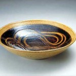 2004 青釉指描文皿