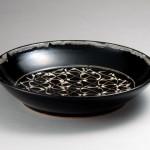 2007 黒釉白筒描鉢 44×9