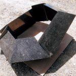 40×100×100cm 御影石、鉄